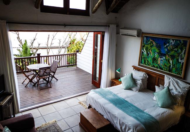 Kingfisher Room (back row sea view)