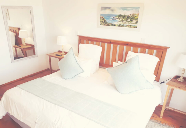Kingfisher Family Suites Back Row Sea View