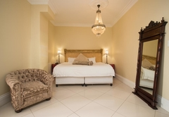 Cricklewood Manor Boutique Hotel