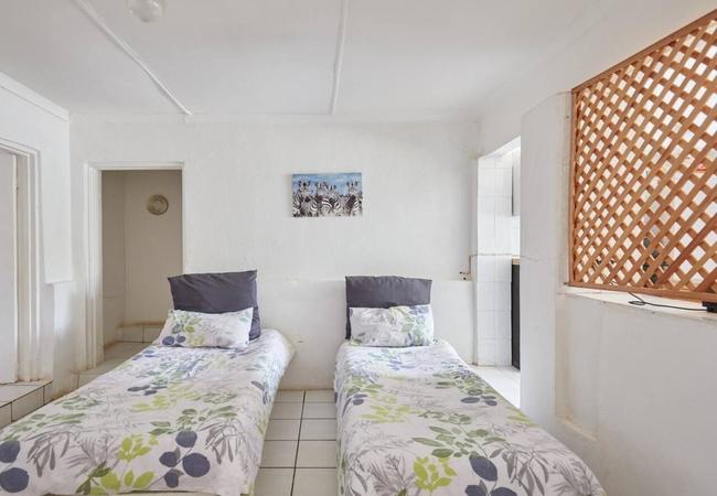 6 Sleeper Cottage
