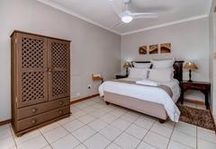 Lodge Queen Room 5