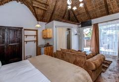 Lodge King Room 9