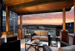 DaVinci Hotel and Suites