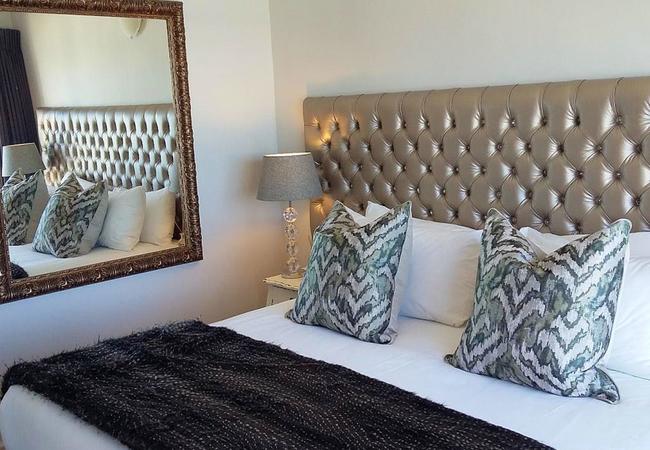 Superior Honeymoon Suite