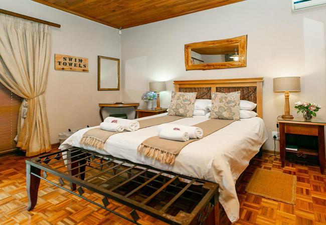 Room 1 Clivia