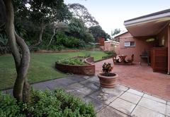 Rosewood & Embuia garden