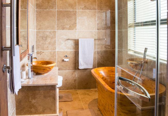 Bathroom 2 - Dusky