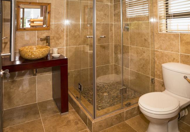 Bathroom 3 - Dusky
