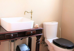 Second bedroom - en-suite bathroom