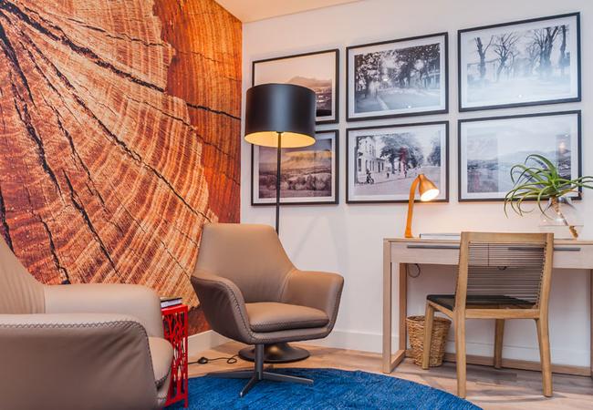 Lounge area on 1st floor - Luxury Rooms