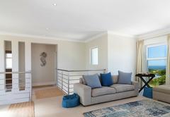 Sheerline Close Luxury Home