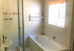 Double Room with Shower and Bath
