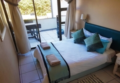Accommodation in Manaba Beach