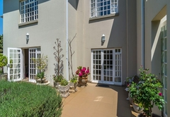 Dunkeld Manor