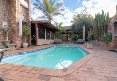 Honeymoon in Oudtshoorn