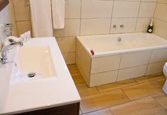 Bathroom Rm 9