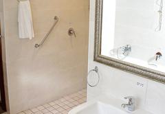 Bathroom Rm 15