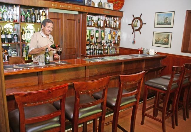 Buson\'s Whistle Pub