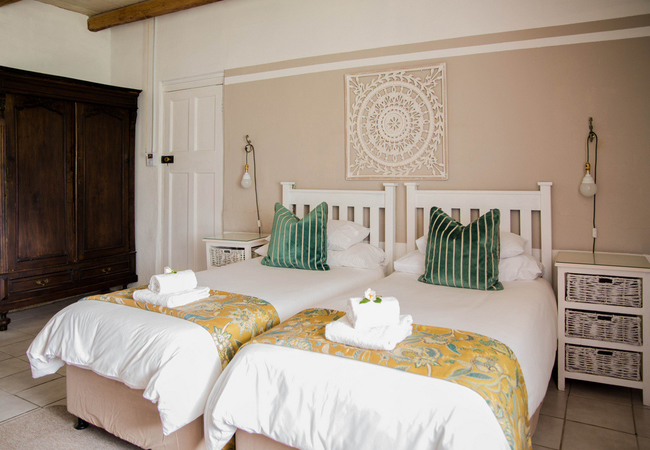 Room 1 : Standard Twin Room
