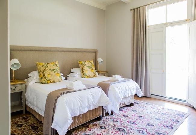 Room 10 : Deluxe Twin Room