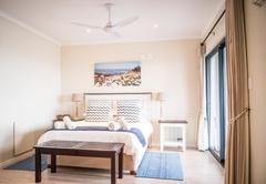 Kingfisher: Superior Queen Room