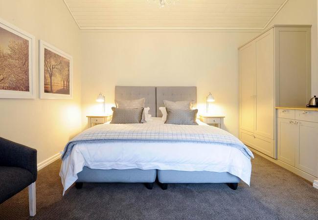 Luxury Twin Room (Shower)