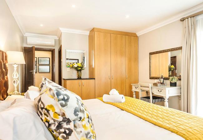 Luxury Twin Room (Bath and Shower)