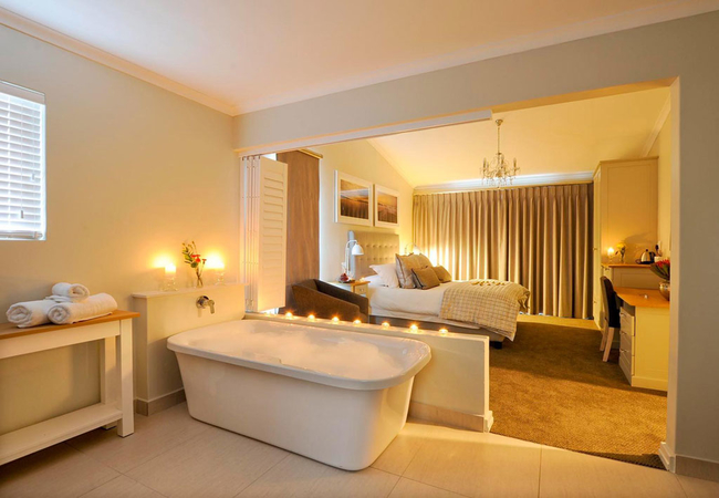 Luxury Double Room (Bath and Shower)