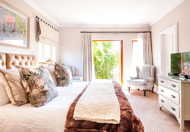 Luxury Room (Twin beds and kitchenette)