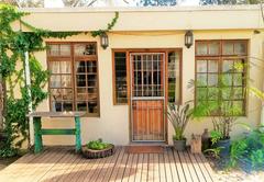 Family Garden Cottage