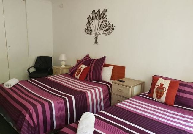 Deluxe Family Room with bath and shower - Room 2