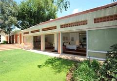 Fifteen On Orange Guest Lodge