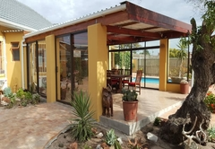 Flintstones Guest House Milnerton