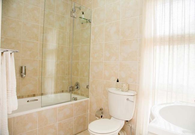 Petit Palm Bathroom
