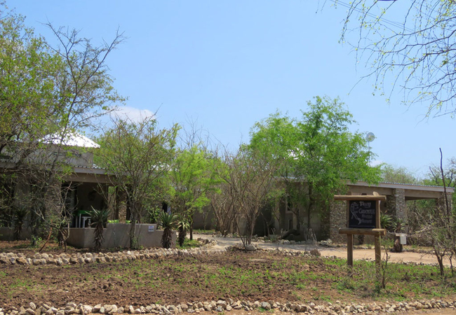 Foxy Crocodile Bush Retreat