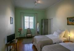 Standard Twin Room 02