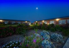 Full Moon Paradise Lodge