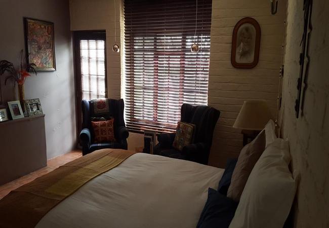 Farmhouse Room 1