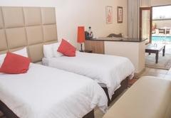 Deluxe Room 8