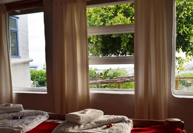 1A Seaview bedroom