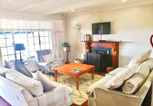Tiny Gateside bathroom with shower over bath