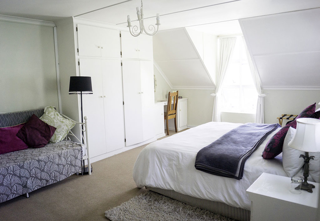 3 Sleeper Room with Daybed