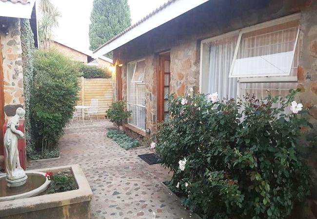 Gemsbok Cottage