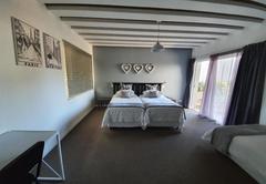 Family Room (Triple)