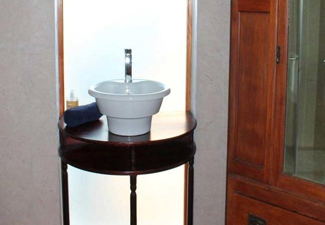 Room 1 - bathroom