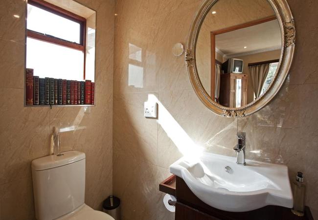 GM 10 room 9 bathroom