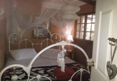 Golden Lantern Guest House