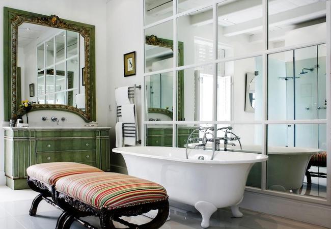 Elegant Suite Bathroom