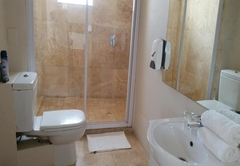 Self catering Open Plan apartment