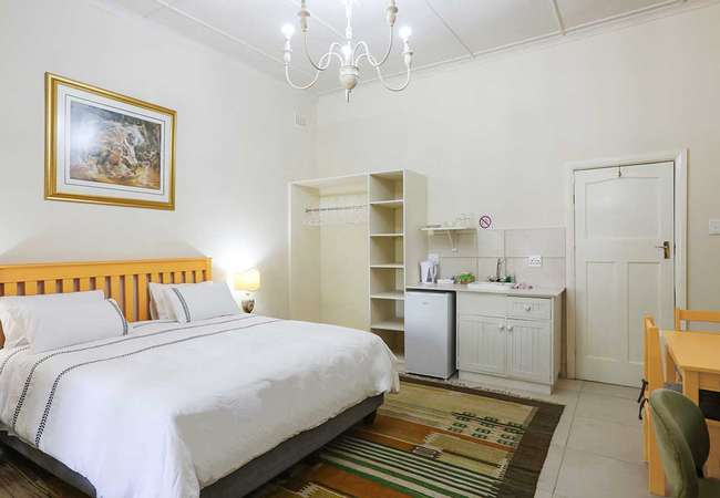 King Bed  Shower - Wheelchair friendly